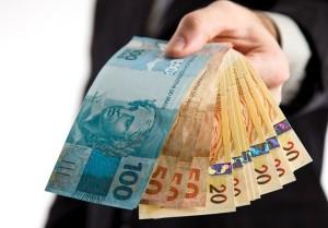 Como pequenas e médias empresas devem renegociar empréstimos para o 13º