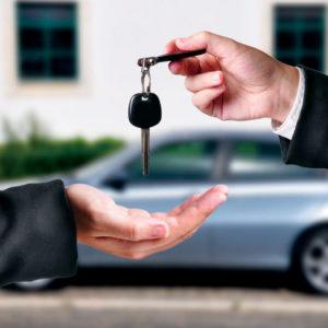 A crise no mercado de automóveis sinaliza um bom momento para você comprar um carro seminovo 2
