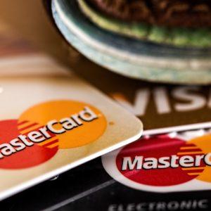 Juros do cartão de crédito têm a maior taxa dos últimos anos 4